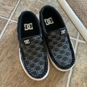Dc shoes youth villain slip on shoes